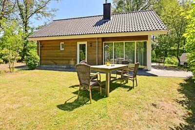 Belle maison de vacances avec sauna à Reutum aux Pays-Bas