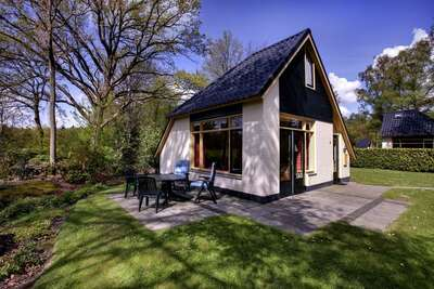 Jolie maison de vacances avec grand jardin, près de Zwolle