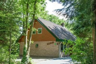 Belle maison avec beaucoup d'intimité, en lisière de forêt