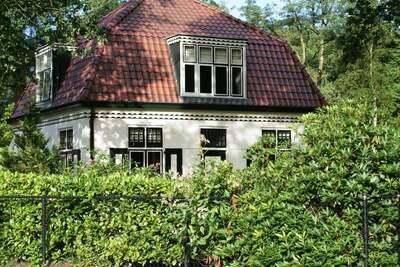 Maison de caractère avec jardin, en lisière de forêt