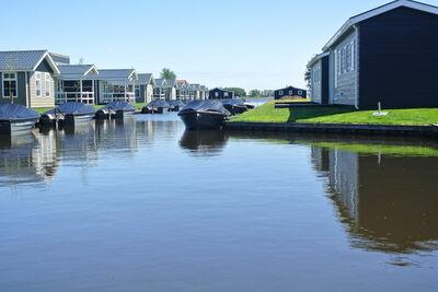 Lodge moderne avec barque électrique à centre de Giethoorn