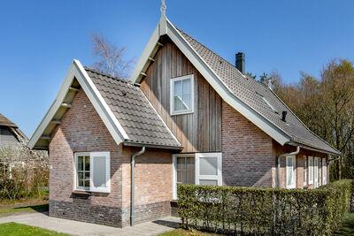 Belle maison avec 2 salles de bains à 2 km d'Appelscha