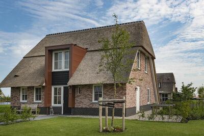 Belle villa avec douche solaire et terrasse au Tjeukemeer
