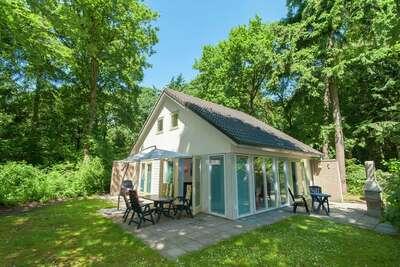 Superbe maison de vacances avec cheminée en Frise