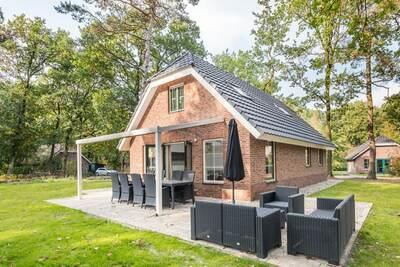 Maison avec bain à remous et douche de soleil pleine nature