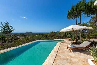 Maison magnifiquement restaurée piscine privée dans le calme du nord