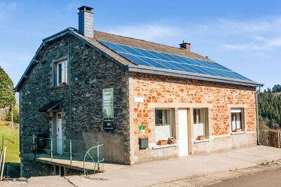 Grande maison de vacances très confortable avec sauna et jardin à Orchimont