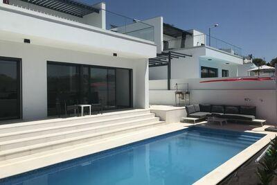 Villa moderne à Lisbonne avec piscine et terrasse