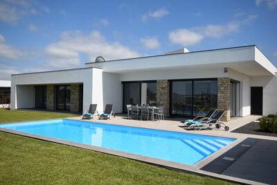 Villa moderne située à Alcobaça, Lisbonne, piscine privée et chauffée