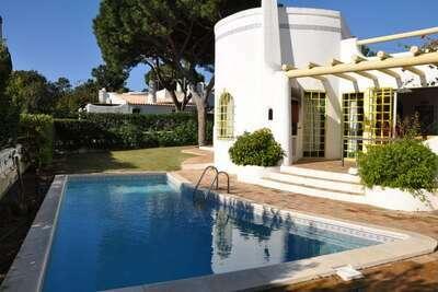 Villa tranquille à Vilamoura avec piscine privée