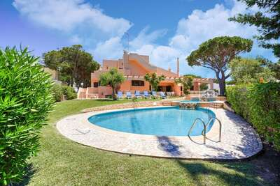 Magnifique villa à Vilamoura avec barbecue et piscine privée