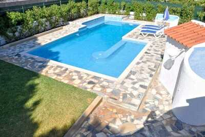 Villa confortable située à Vilamoura avec jardin privé