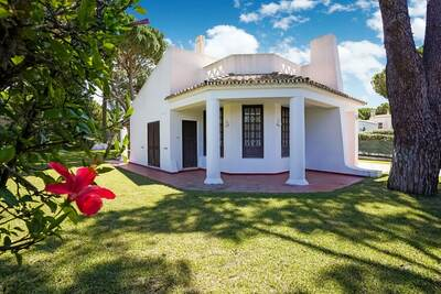 Charmante villa avec piscine privée donnant sur le golf Pinhal à Vilamoura