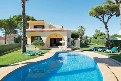 Villa splendide située à Vilamoura avec piscine privée