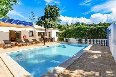 Villa charmante à Lagoa, Algarve avec piscine privée
