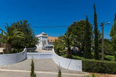 Superbe maison de vacances à Portimão avec piscine