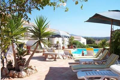 Maison de vacances ancienne à Portimão avec piscine