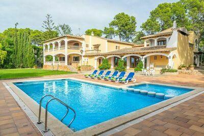 Villa confortable avec piscine à Palma
