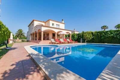 Luxueuse maison de vacances avec piscine à St Pere Pescador