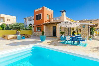 Villa moderne avec piscine à Badia Gran