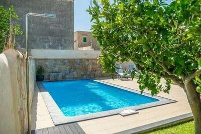 Villa confortable avec piscine à Binissalem