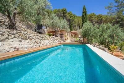 Éblouissante Villa à Mancor de la Vall avec piscine
