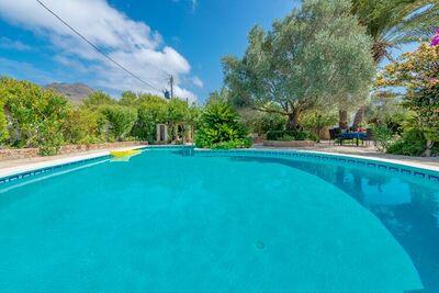 Villa confortable à Pollença avec piscine