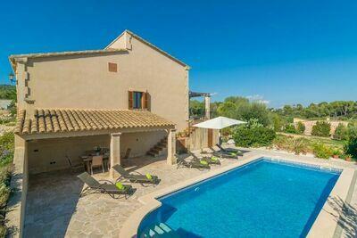 Charmante villa avec piscine à Vilafranca de Bonany