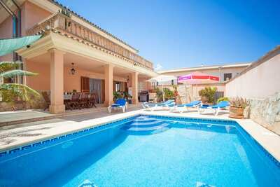 Villa confortable avec piscine à Muro