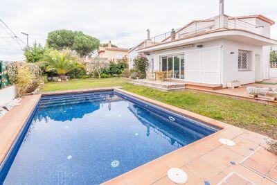 Charmante maison de vacances, piscine à L'Escala en Espagne