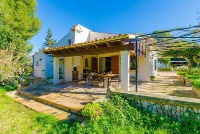 Superbe chalet avec jardin à Campos en Espagne