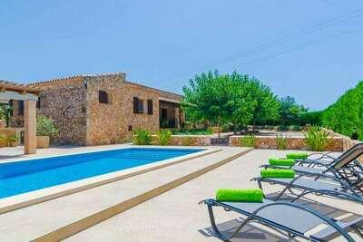 Villa rustique avec piscine à Vilafranca de Bonany