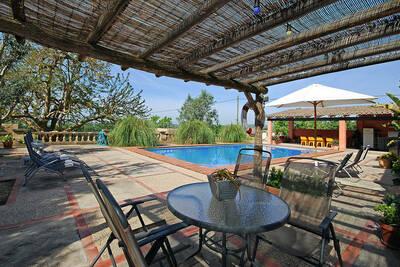 Maison confortable et typique campagne majorquine avec piscine et court de tennis