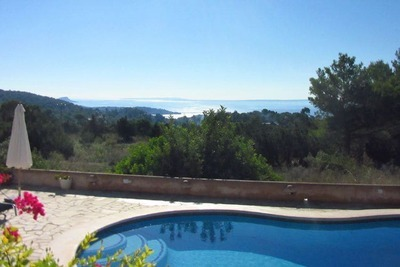 Villa séduisante à St Josep de sa Talaia avec piscine