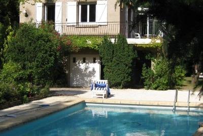 Magnifique villa à Vieussan avec piscine privée