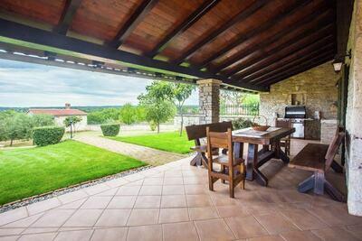 Villa de charme à Selina avec piscine