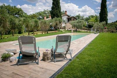 Villa de luxe à Asciano (en Toscane), avec piscine