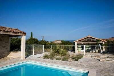 Villa de campagne en Ardèche avec vue imprenable