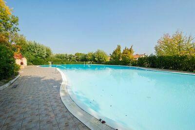 Belle maison de campagne dans vignoble avec piscine partagée