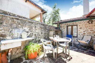Ferme de Bagni di Lucca avec terrasse privée
