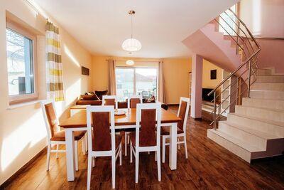 Grande maison de vacances avec grande terrasse privée, 2 unités séparées,  Wi Fi
