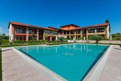 Maison de vacances moderne à Lazise avec piscine privée