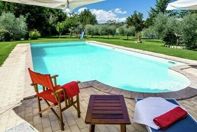 Appartement indépendant près de Todi avec piscine privée