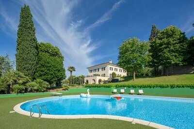 Villa de charme avec piscine privée à Macerata en Italie