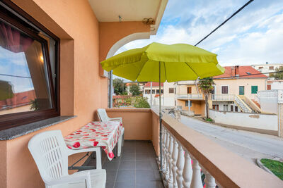 Maison de vacances agréable à Posedarje avec balcon