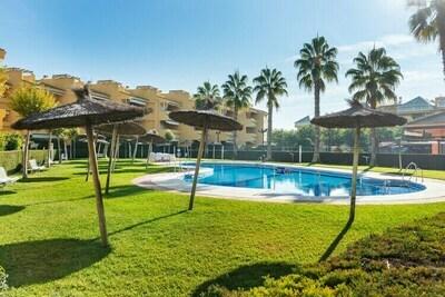 Maison avec piscine partagée dans la belle urbanisation à Islantilla