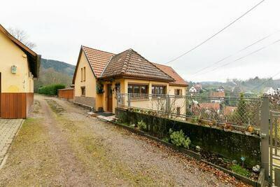 Maison de vacances avec piscine privée à Neubois