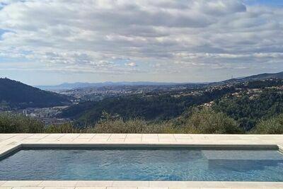 Maison confortable avec piscine privée à Drap, 15km de Nice