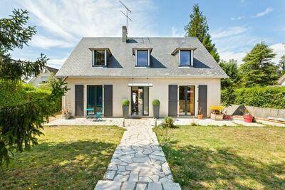 Élégante maison de vacances avec jardin clôturé à Touques