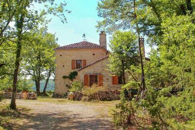 Maison de vacances à Bouzic dans sud de la France près prés